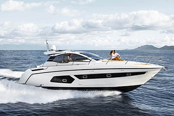 Start your Long Island Summer plans with a Hamptons boat charter